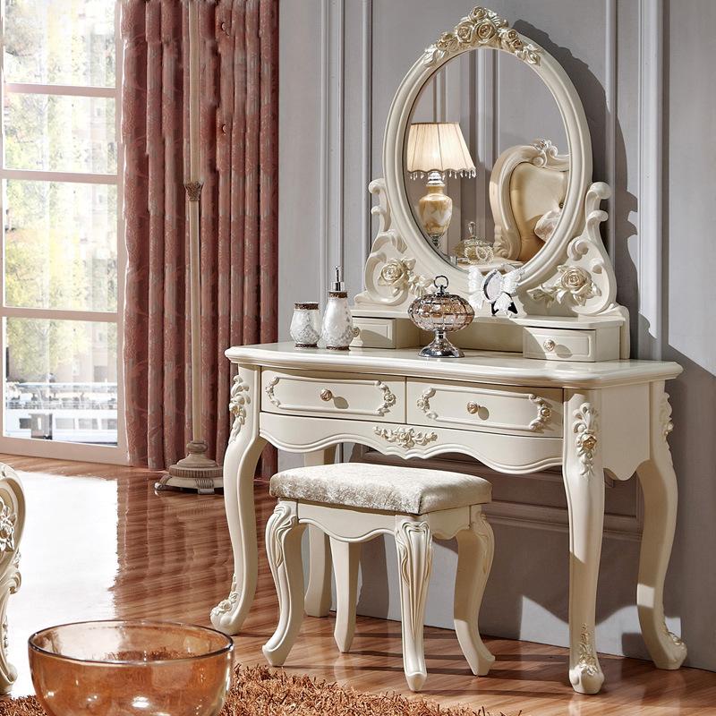le retour la mode des coiffeuses meubles la mode des femmes. Black Bedroom Furniture Sets. Home Design Ideas
